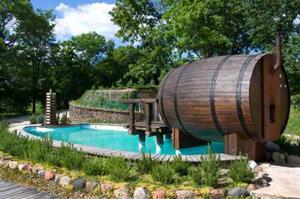 die besondere sauna saunen im holzfass garten und outdoor sauna. Black Bedroom Furniture Sets. Home Design Ideas